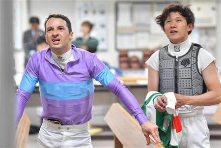 【競馬】ルメールが検量室で激怒!!「ぶつけてきたジョッキー誰?下手すぎる」 【動画有】
