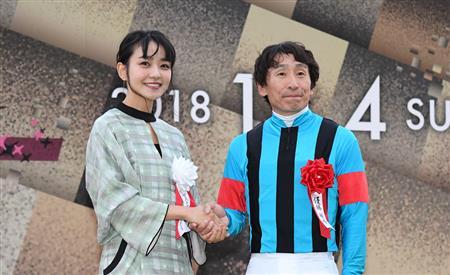 【競馬】横山典弘騎手、歓喜のあまりプロレス技を繰り出す【JBCレディスクラシック】