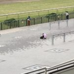 【競馬】安田記念に人生をかけ、淀でうずくまる男性